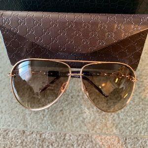 Women's Gucci aviator glasses